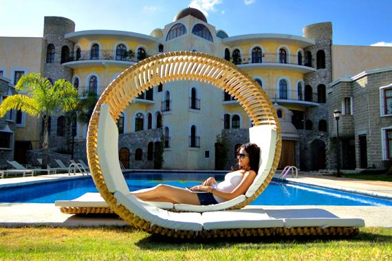 Check Out The Coolest Loungechair Ever | Incredible Things