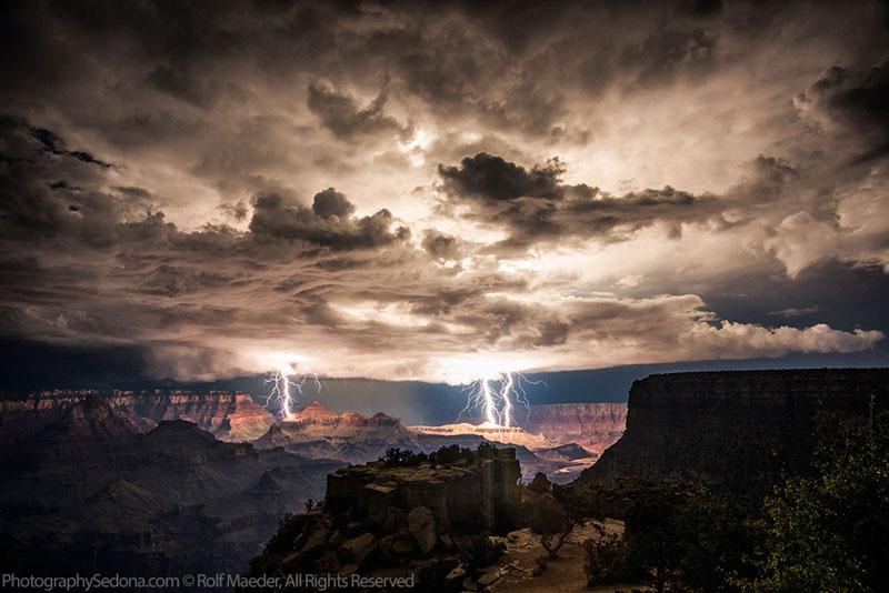 grand-canyon-lightning-storm-rolf-maeder1.jpg (JPEG Image, 800×534 pixels)