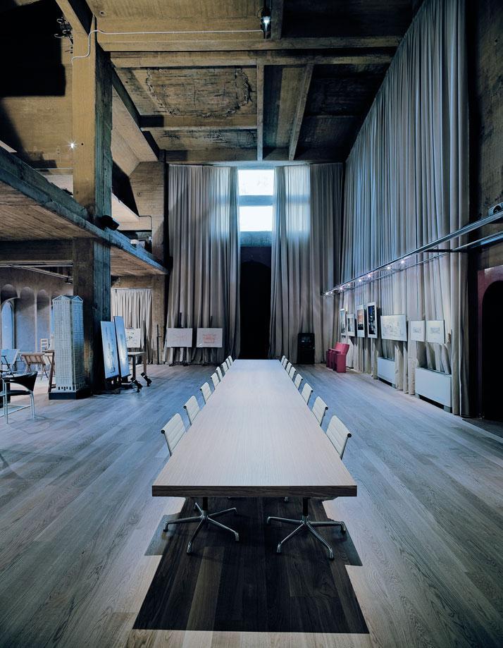 Ricardo-Bofill-cement-factory-yatzer-9.jpg (JPEG Image, 714x919 pixels)