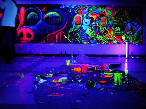 black light, blacklight, fashion, neon, room - inspiring picture on Favim.com