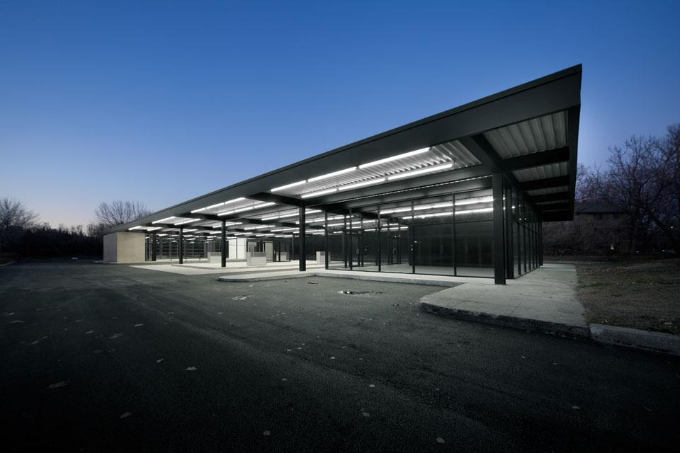 Mies van der Rohe gas station reconversion - News - Domus