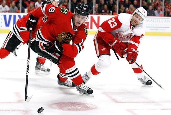 Jonathan Toews: Chicago Blackhawks captain Jonathan Toews in one-car crash - chicagotribune.com