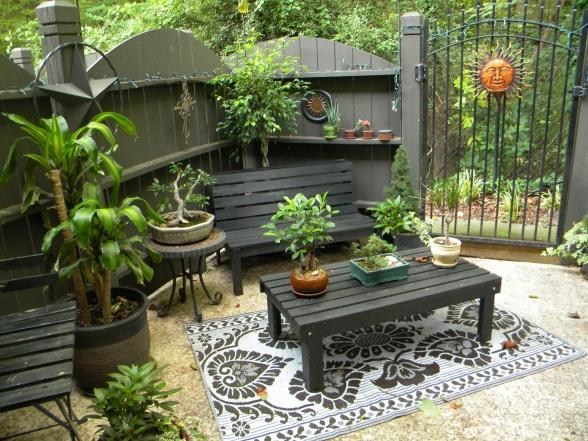 My patio patios deck designs decorating ideas hgtv for Pinterest small patio ideas