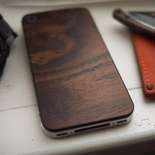 Fancy - Material 6 Walnut iPhone Back