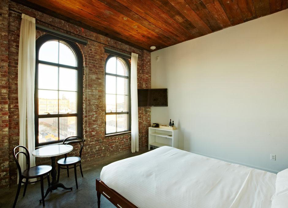 Brooklyn Queen Room   Wythe Hotel