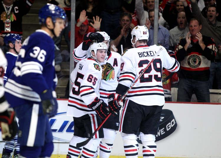 Chicago Blackhawks: Chicago Blackhawks rally for 5-4 victory over Toronto Maple Leafs - chicagotribune.com