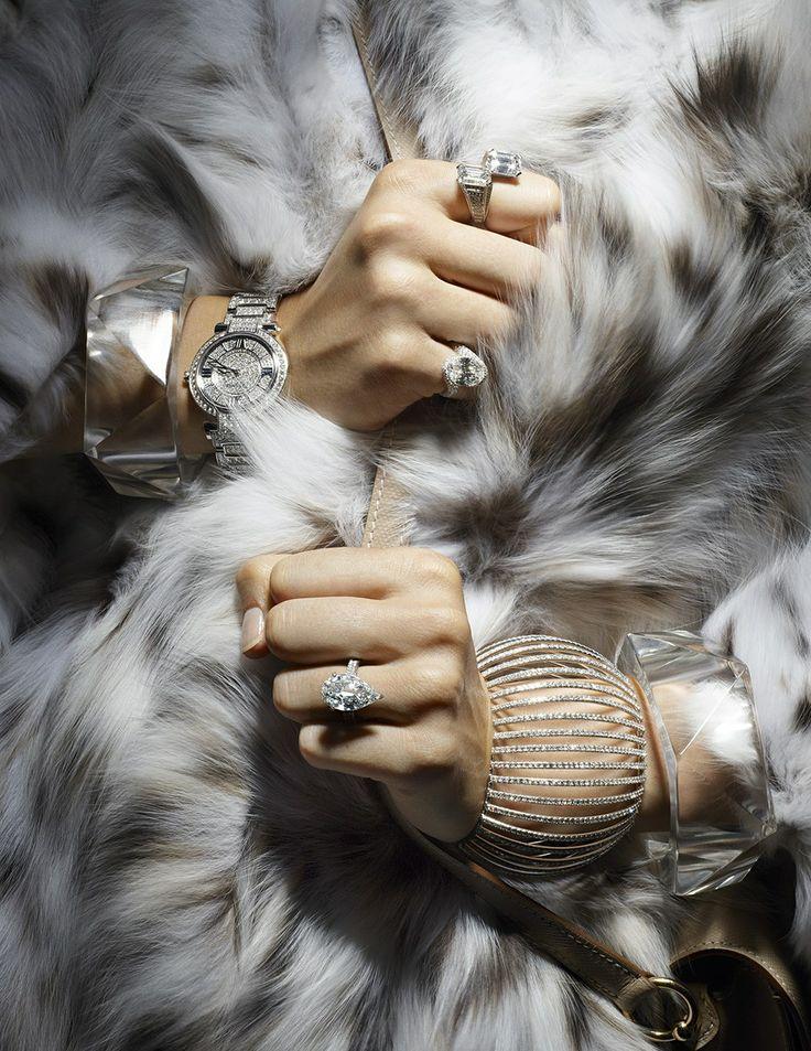 Épinglé par Alessandra Marcelo sur 03 // Jewellery Editorials   Pinte…