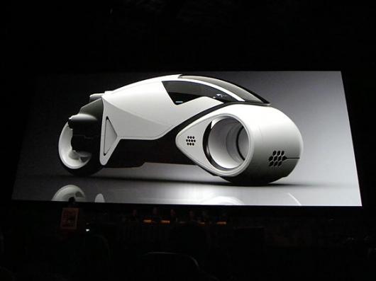 Designspiration — tronwhite2-thumb-585xauto-3044.jpg (JPEG Image, 585x439 pixels)