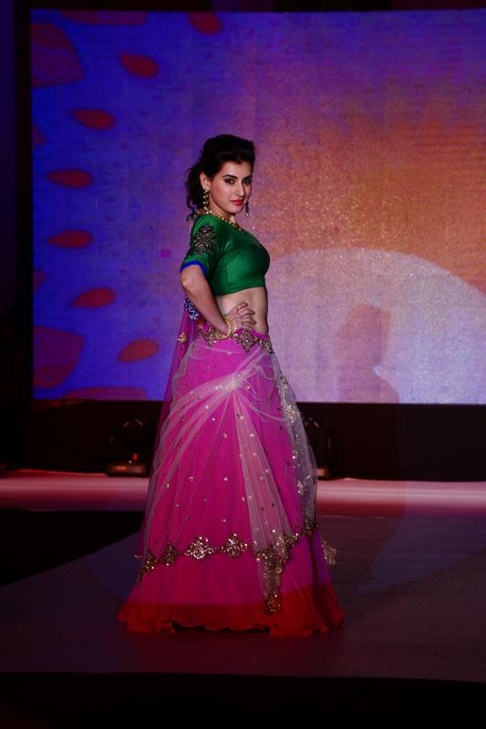 Archita Narayanam's fashion show at a popular convention centre| Metroindia