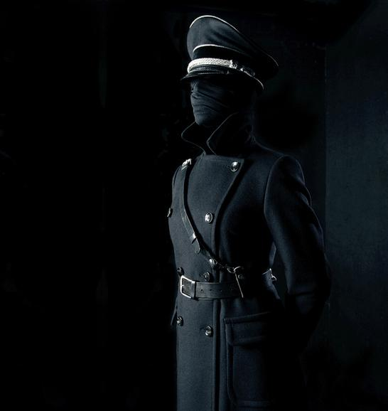 Google képkeresési találat: http://www.weareprivate.net/blog/wp-content/uploads/Juna-Helminen.jpg
