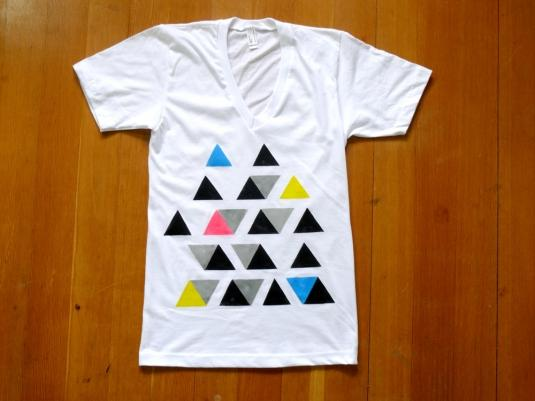 Multi Triangles Organic V Neck | Cargoh