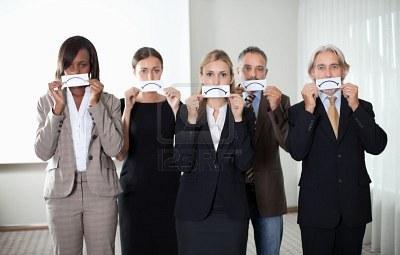 Resultados de la Búsqueda de imágenes de Google de http://us.123rf.com/400wm/400/400/andreypopov/andreypopov1110/andreypopov111000198/11080069-diverse-group-of-business-people-holding-a-card-with-sad-sign-by-their-faces.jpg