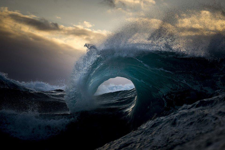 Les sensationnelles photos de vagues signées Ray Collins