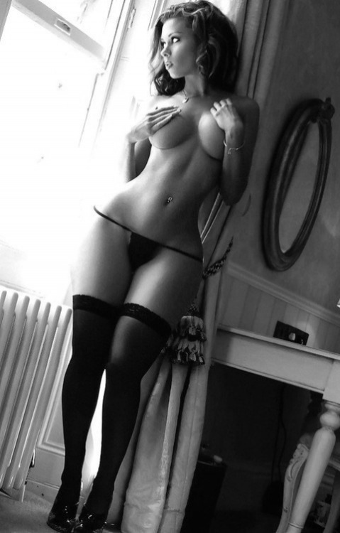 foto-krasivih-devushek-golih-vozbuzhdennih