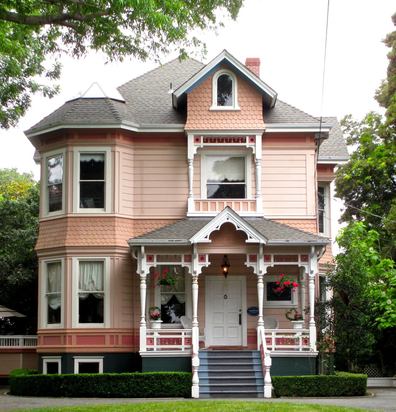 Résultats de recherche d'images pour «victorian house santa cruz»