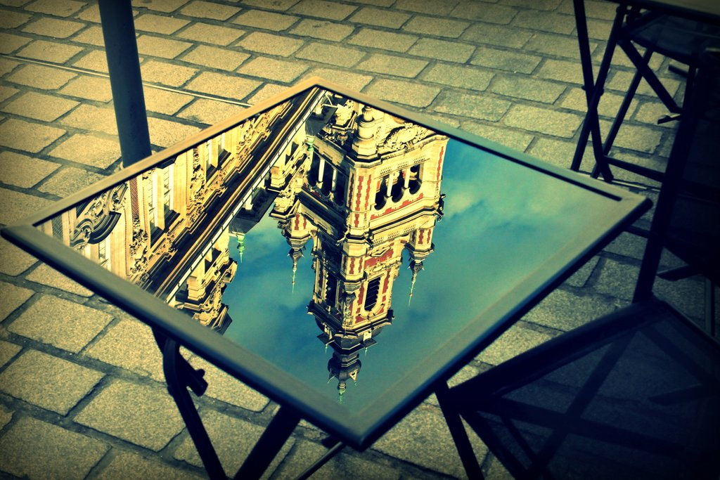 Reflection Photography: 30 Magical Examples That Will Tickle Your Fancy | inspirationfeed.com