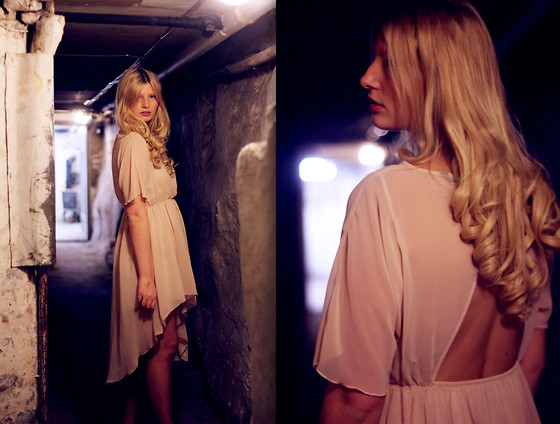 "Zara Dress //""There's a light at the end of this Tunnel"" by Amalie Bjerke // LOOKBOOK.nu"