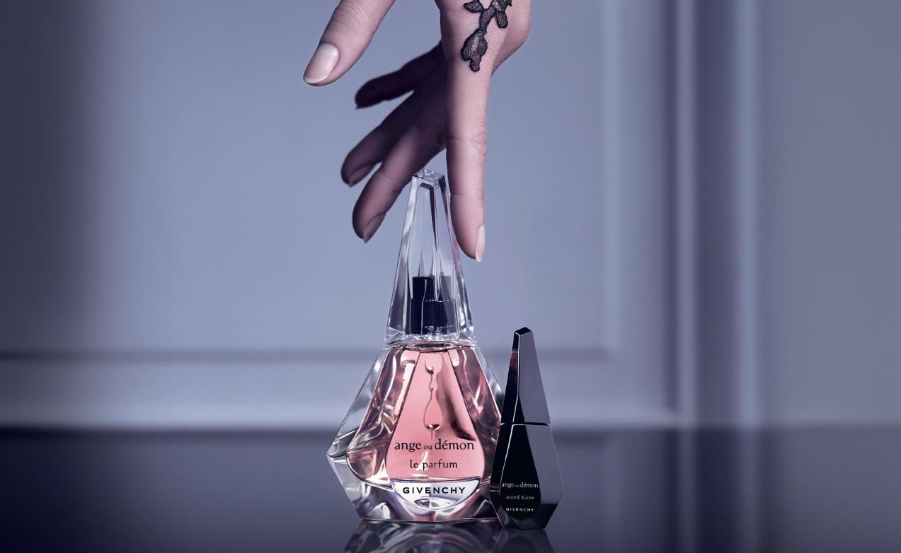 Givenchy-Ange-ou-De-769-mon-Le-Parfum-et-son-Accord-Illicite-1.jpg (1273×782)