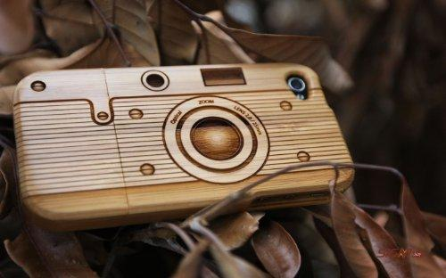 Amazon.com: [100% Natural Wood] Natural Bamboo Case for iPhone 4 (Camera) by SigniCASE