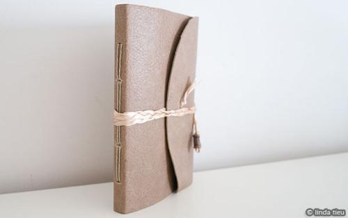 Fuck Yeah, Book Arts! (holly-go-brightly: Simple book binding tutorial,...)