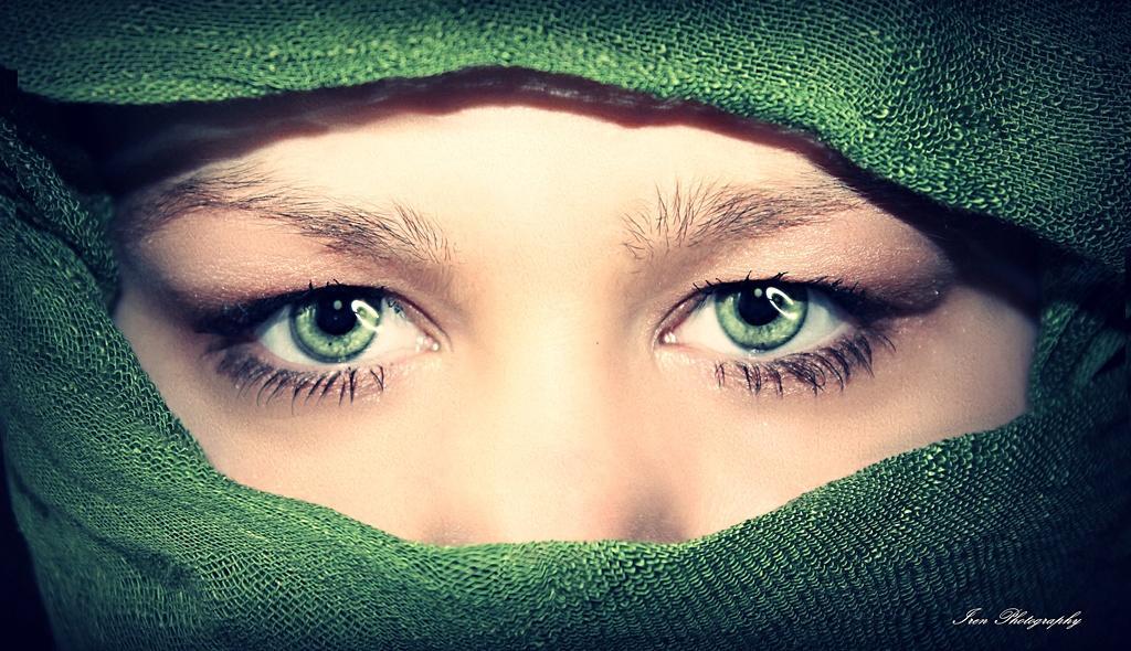 eye green ...... by Irca Slehoferova