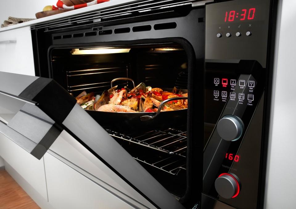 Best Awards - Fisher & Paykel Appliances. / Designer 90cm Oven
