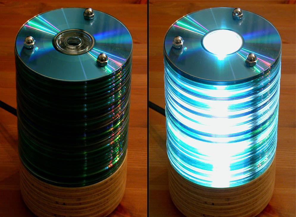 Resultados de la Búsqueda de imágenes de Google de http://3.bp.blogspot.com/-PLSI8j5koAU/Tnt-AqNLgFI/AAAAAAAAL3I/NzP2MFSCzD0/s1600/1-cd-rom-lamp.jpg