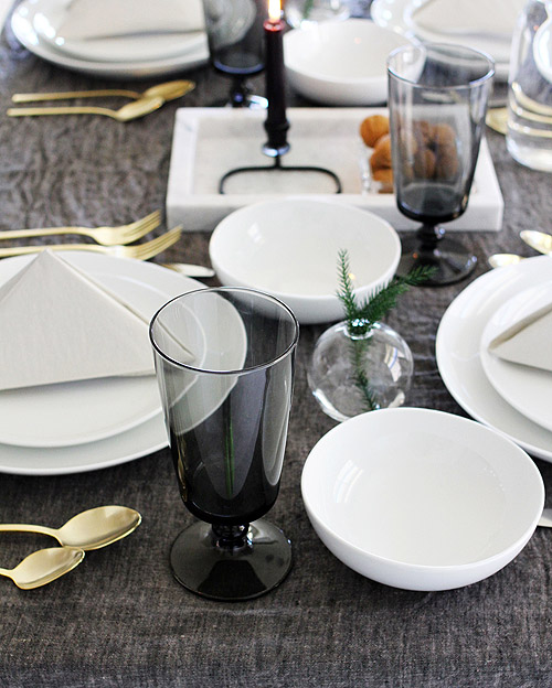 Thanksgiving Tables: Matt Armendariz & Jennifer Hagler | Design*Sponge