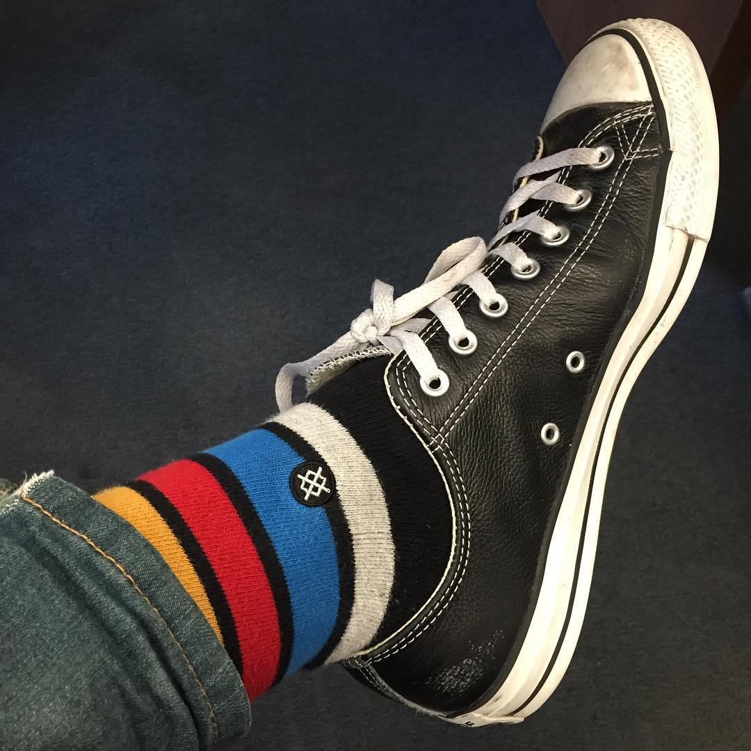 @barelysarcasm sur Instagram: Socks to be shoe: primary edition! #socks #socks