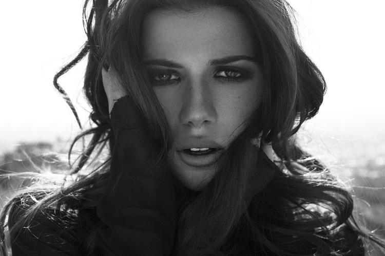 ShockBlast-Lavinia_Postolache-Kyle_Goldie-1.jpg (750×500)