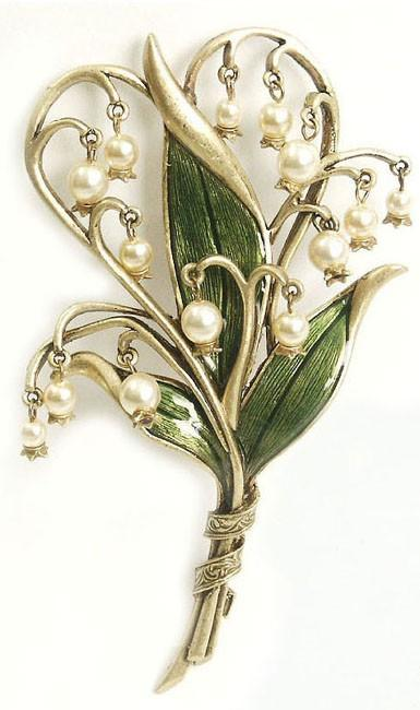 LILY OF THE VALLEY / sweet-romance-lily-of-the-valley-pin-sweet.jpg (JPEG Image, 385x650 pixels) - S