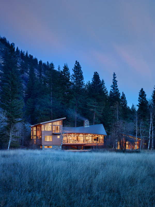 FINNE Architects Explores Crafted Modernism in the Mazama House on Inspirationde
