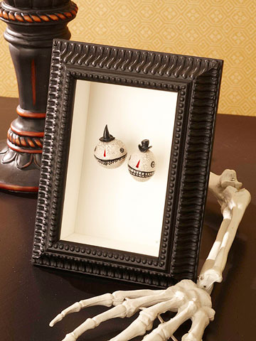 Shrunken Heads Shadow Box for Halloween