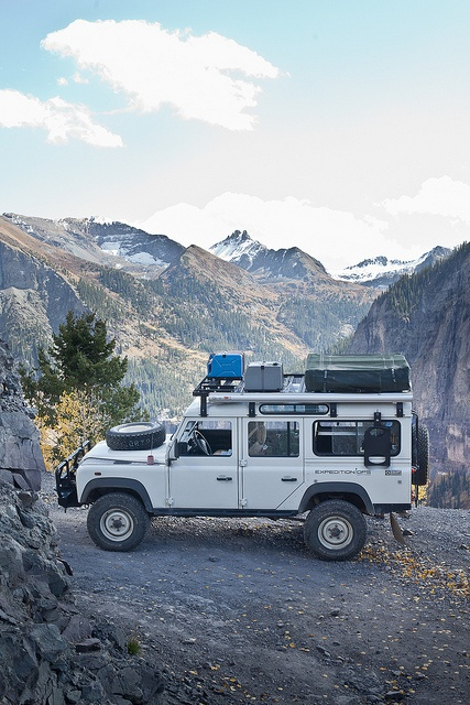 Land Rover Defender 110 on Inspirationde