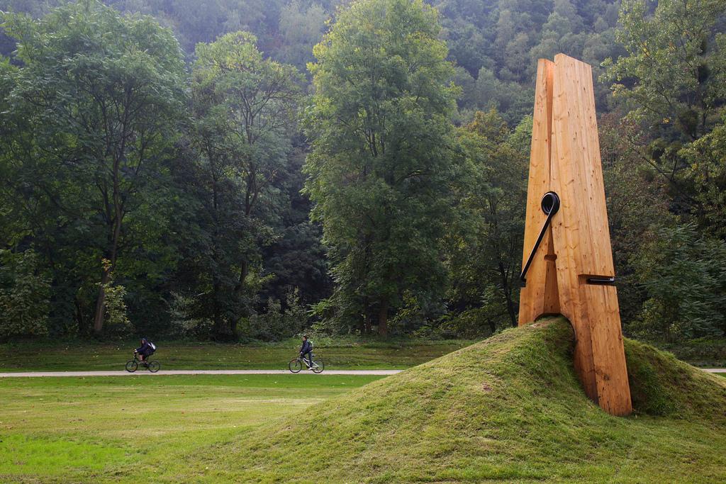 All sizes   Exposition d'Art contemporain dans le parc de Chaudfontaine (Belgique)   Flickr - Photo Sharing!