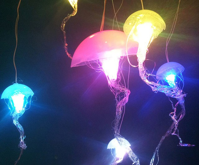Hanging jellyfish lamps 560749 on wookmark for Jellyfish lights