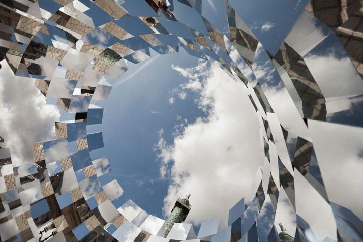 'Ring' Mirror Installation by Arnaud Lapierre @Place Vendôme, Paris | Yatzer