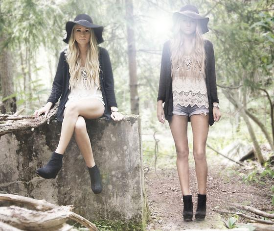 "Shirt, Hat, Shoes //""IN THIS FAIRYTALE"" by Fanny Lindblad // LOOKBOOK.nu"