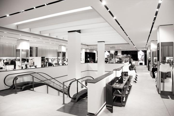 Zara Fifth Ave store by Elsa Urquijo Architects, New York » Retail Design Blog