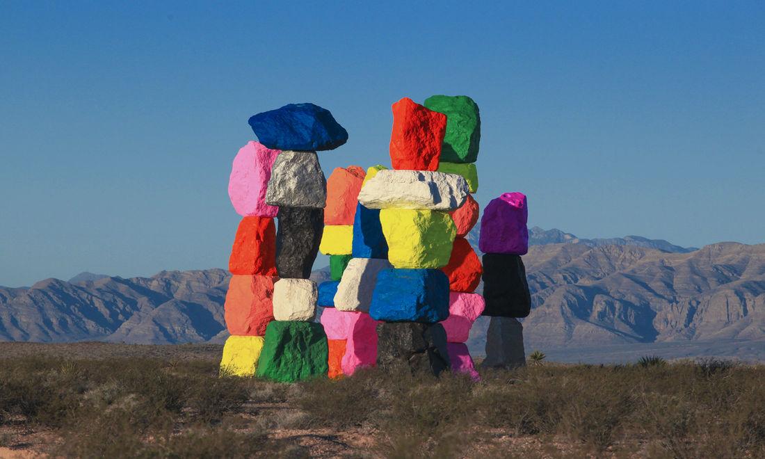 Ugo Rondinone's Seven Magic Mountains Art Installation In Las Vegas. - 59300 - Buamai