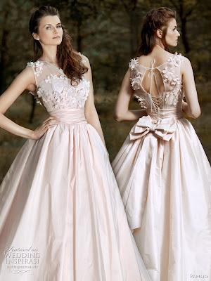 Rezultatele c?ut?rii de imagini Google pentru http://1.bp.blogspot.com/-FgcdssUbSkY/T2vjq4rvpSI/AAAAAAAABQo/3rqOn-MXR5I/s400/2011-pink-wedding-dress-papilio.jpg