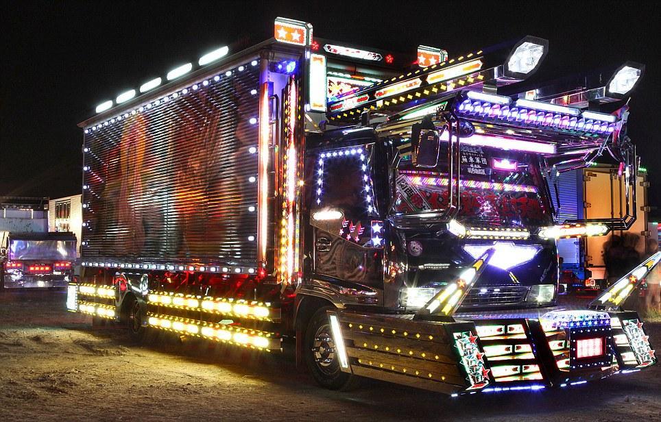 Japanese light trucks are blings of the road | Mail Online