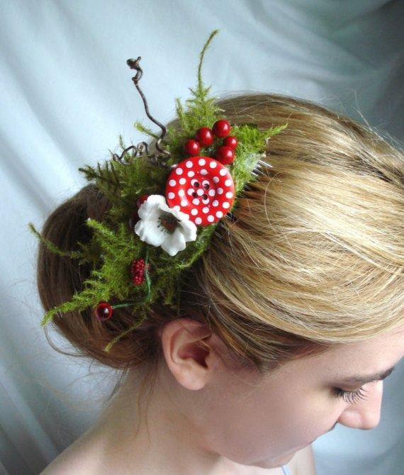gretel a whimsical woodland comb w/big button by thehoneycomb