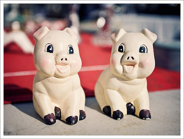 vintage pig figurines | Flickr - Photo Sharing!
