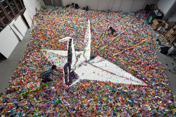 Origami Crane Made from … 2,000,000 Origami Cranes: A Flapping Success for Japan Earthquake Relief | Colossal