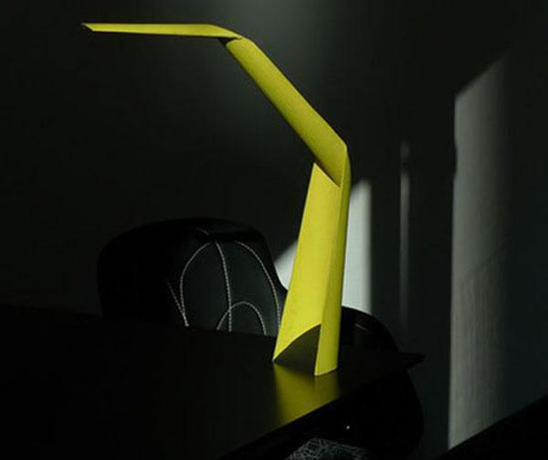 10 Trendy task lamps for modern workplaces