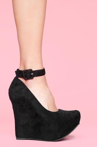 Roxy Platform Wedge - Black in Shoes at Nasty Gal