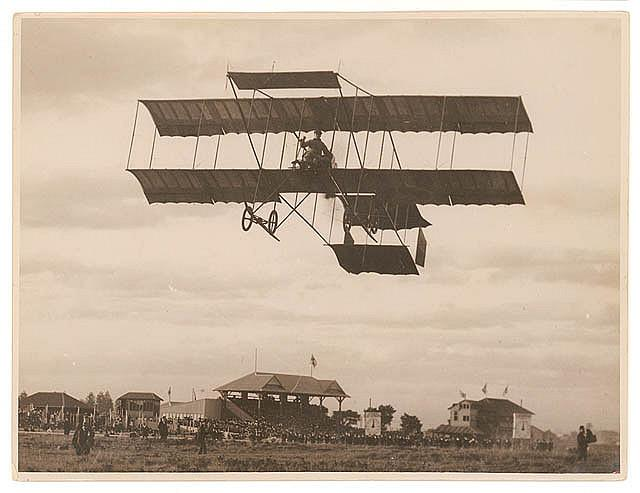 J.J. Hammond and his Boxkite plane, Ascot Racecourse, Botany, Sydney, 5 May 1911 / photographed by Sam Hood | Flickr - Photo Sharing!