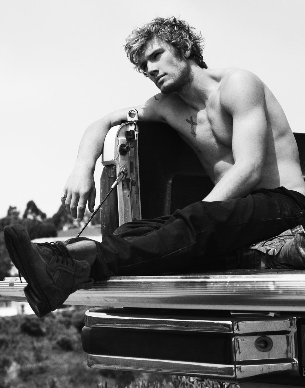 True Blood Twilight: Hunk Alert: Alex Pettyfer