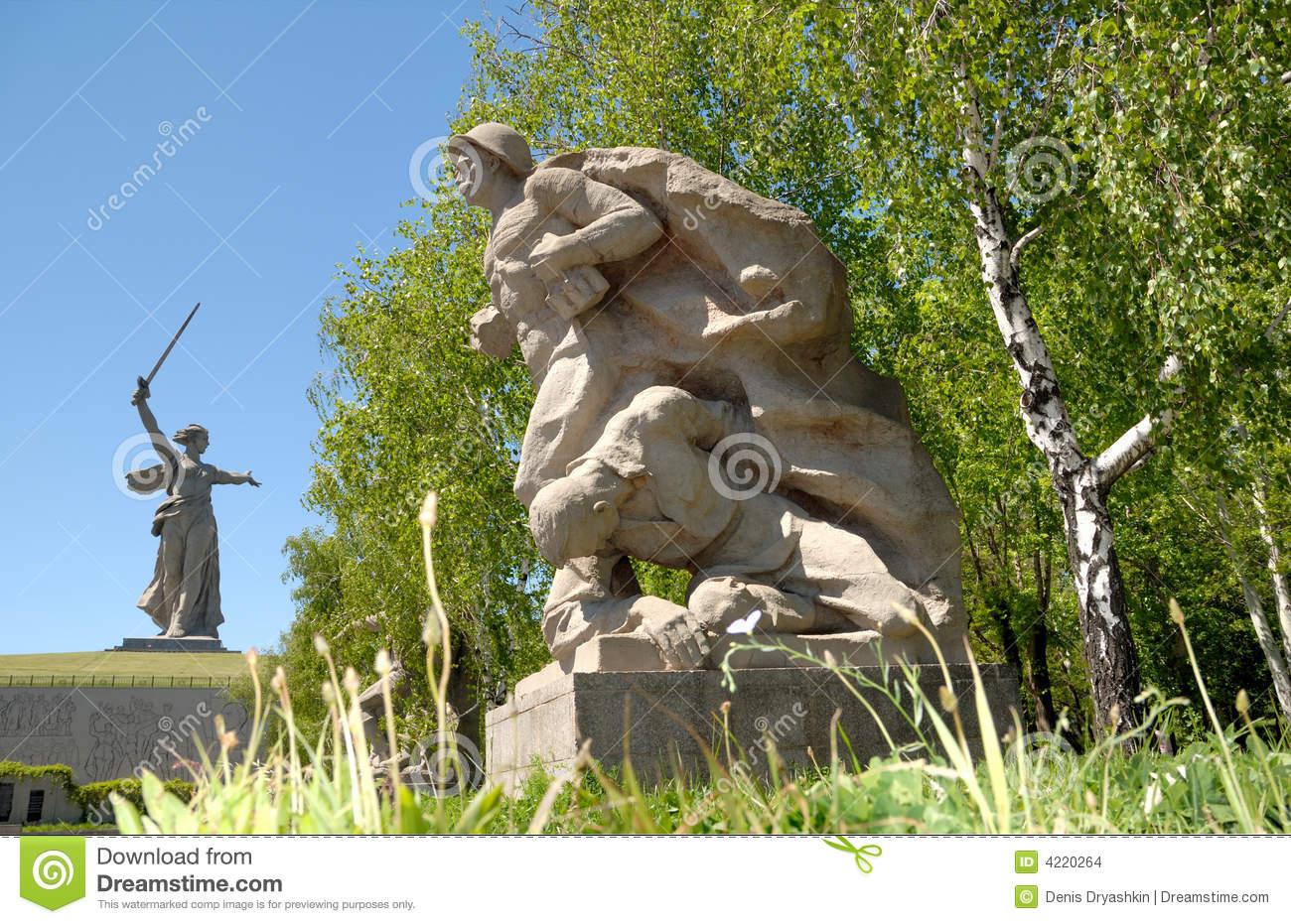 obelisk-memorável-da-segunda-guerra-mundial-em-mamayev-kurgan-4220264.jpg (1300×931)